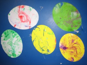 Marble paint effect eggs